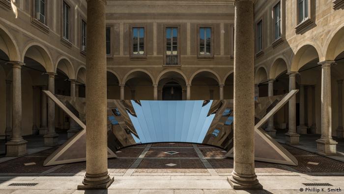 An installation at Milan Design Week 2018 (Phillip K. Smith)