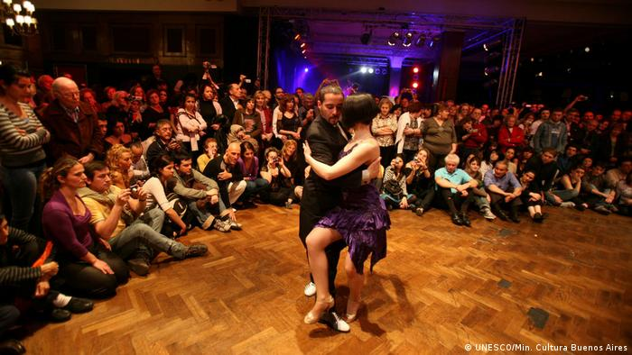 Foto: Tango: Musikrichtung aus Buenos Aires und Montevideo. Immaterielles Kulturerbe, UNESCO. Foto Copyright: Ministerio de Cultura, ciudad de Buenos Aires, 2008. Web UNESCO.