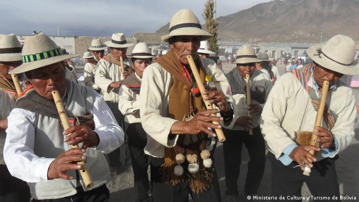 Foto: Música Aymara de Bolivia, Chile y Peru. Aymara-Musik aus Bolivien, Chile und Peru. Immaterielles Kulturerbe, UNESCO. Foto Copyright: Unidad de Patrimonio Inmaterial (UPI), Ministerio de Cultura y Turismo – Bolivia.