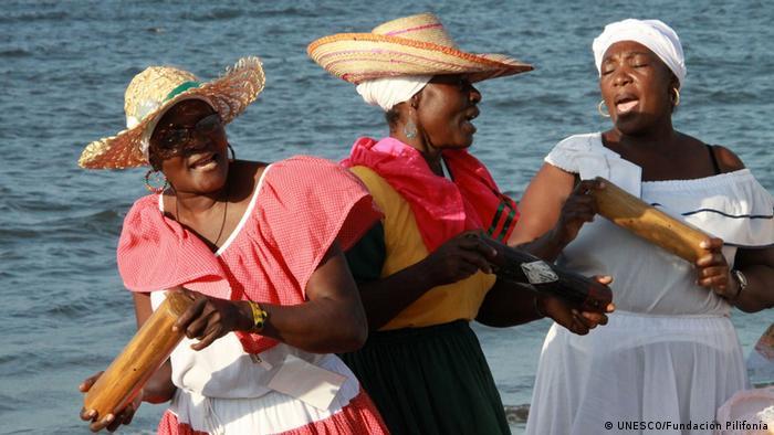 Foto: Marimba, Aufschlagidiophon aus Kolumbien und Ecuador. Immaterielles Kulturerbe, UNESCO. Foto Copyright: Fundación Pilifonía. Web UNESCO