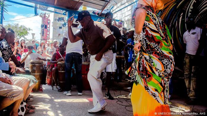 Foto: Rumba, Tanz kubanischer Herkunft. Immaterielles Kulturerbe, UNESCO. Foto Copyright: Medina Hernández, AHS, 2015. Web UNESCO.