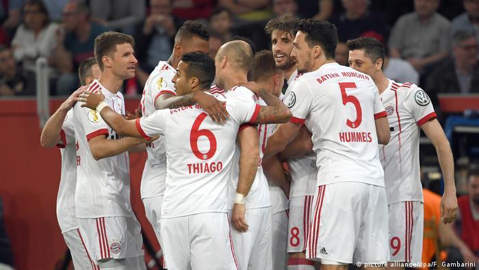 Deutschland Bayer Leverkusen - Bayern München