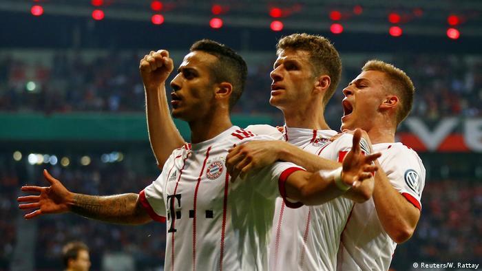 DFB Pokal Bayer Leverkusen vs Bayern München Jubel Thiago