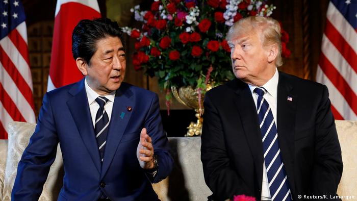 Washington Abe bei Trump (Reuters/K. Lamarque)