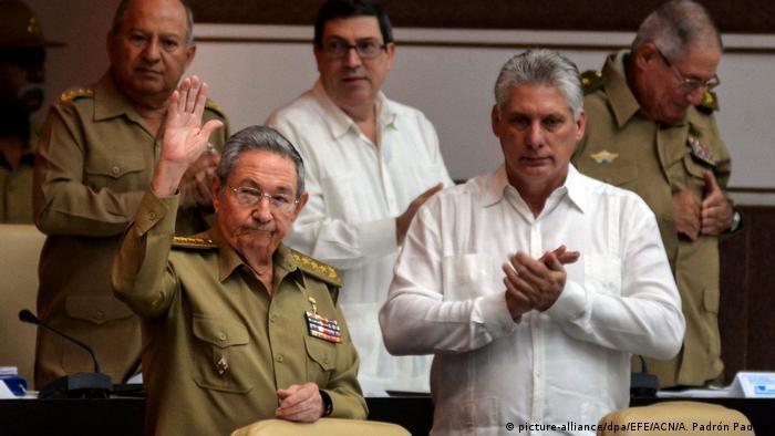 Kuba Raúl Castro und Miguel Díaz-Canel (picture-alliance/dpa/EFE/ACN/A. Padrón Padilla)