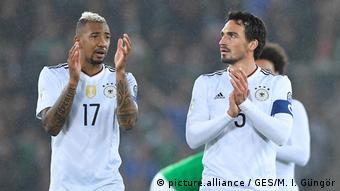 Jérôme Boateng e Mats Hummels formam a dupla titular na defesa da seleção  da Alemanha e do Bayern de Munique 1158a40a43da3
