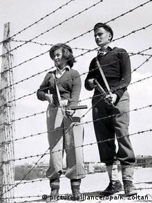 1948 год. Бойцы военной организации Хагана охраняют еврейское поселение.