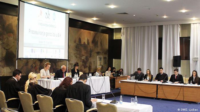 Bosnien und Herzegowina Jugend des Balkans lernen ICTY