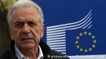 Dimitris Avramopoulos (picture-alliance/Photoshot/M. Lolos)