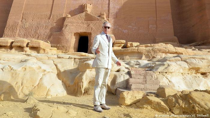 Prinz Charles in Al-Ula in Saudi-Arabien im Februar 2015 (picture-alliance/empics/J. Stillwell)