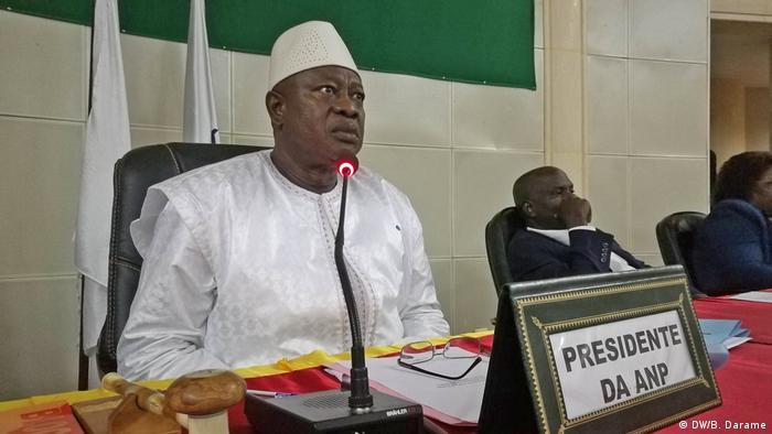 Guinea Bissau 1. Parlamantssitzung nach Krise Cipriano Cassama