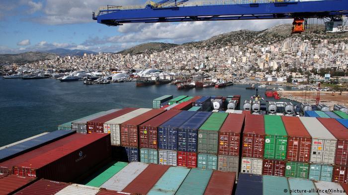 Griechenland Containerhafen Piräus (picture-alliance/Xinhua)