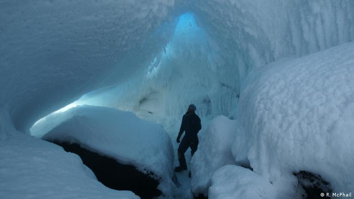 Cavernas de gelo em torno do Monte Erebus são santuários ecológicos