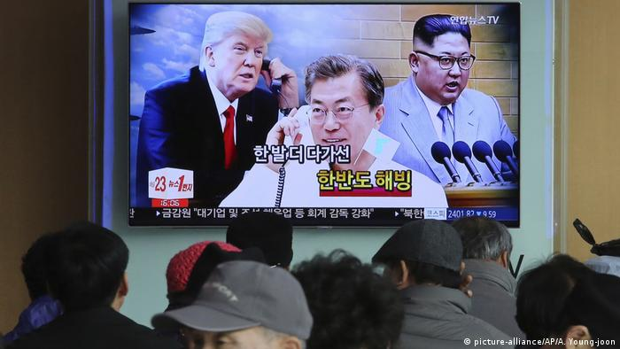 Südkorea TV Trump Kim Jong Un (picture-alliance/AP/A. Young-joon)