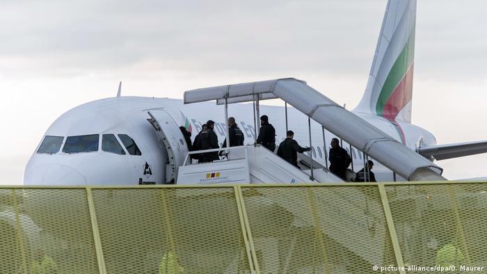 شماری از پناهجویان افغان اخراج شده از آلمان صبح چهارشنبه ۱۹ خرداد به کابل بازگردانده شدند