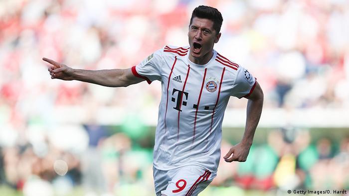 FC Bayern Munich player celebrates a goal in the Bundesliga (Getty Images/O. Hardt)