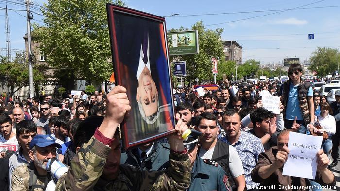 Armenien - Proteste zur Wahl des Ministerpräsidenten (Reuters/H. Baghdasaryan/Photolure )