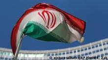 Österreich Flagge Iran vor UN-Gebäude