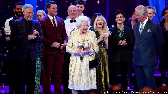 Queen Elizabeth Ii Macht Party Aktuell Europa Dw 22 04 2018