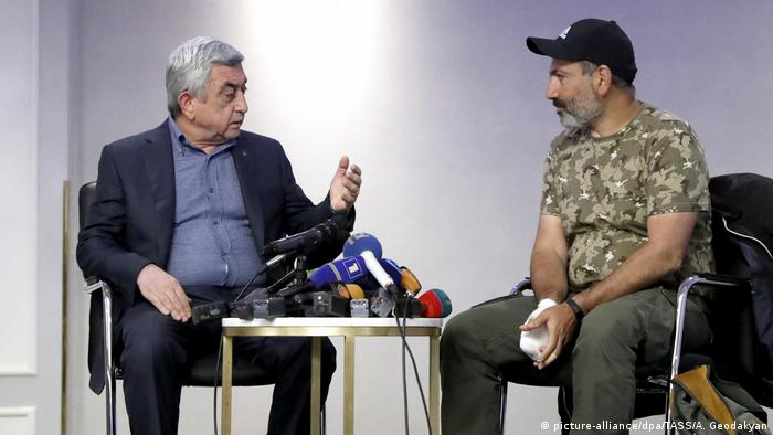 Armenia's President Serzh Sargsyan and Armenian opposition activist Nikol Pashinian, one of the leaders of the 'Way Out' Alliance (Yelk) party, during a meeting at the Marriott Armenia