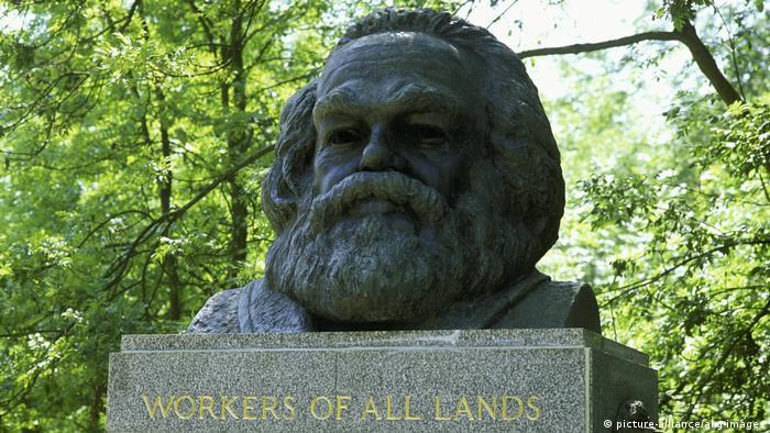 UK Grabmal von Karl Marx in London (picture-alliance/akg-images)