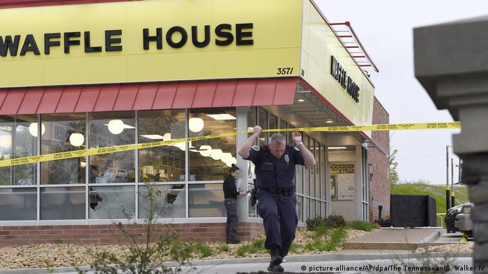 Four killed in shooting at Nashville Waffle House (picture-alliance/AP/dpa/The Tennessean/G. Walker IV)