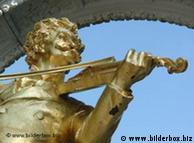 Monumento ao rei da valsa Johann Strauss, no Parque Municipal de Viena