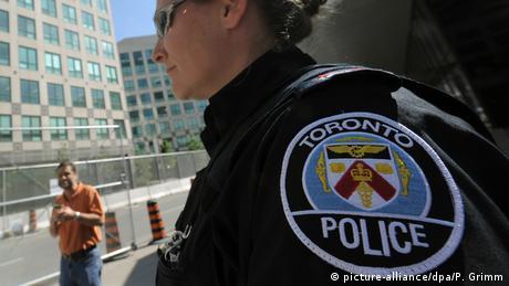 У Торонто мікроавтобус наїхав на пішоходів - є поранені