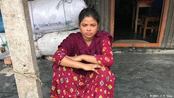 Bangladesch Textilarbeiterin Aroti Bala Das (DW/H. U. R. Swap)