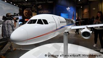 Модель научно-исследовательского самолета Германского центра авиации и космонавтики (DLR) на берлинском авиасалоне