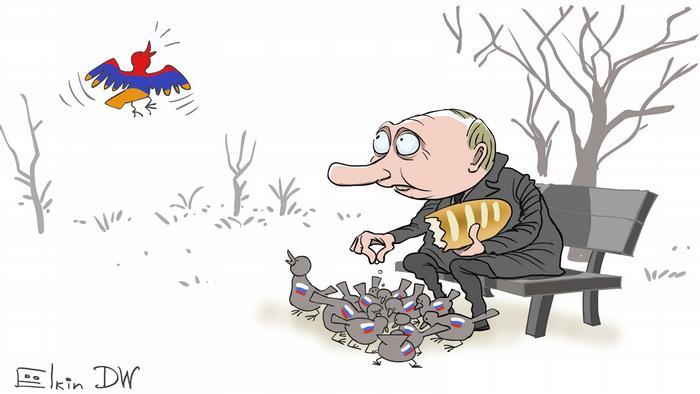 Путин кормит голубей с флагами России на спине