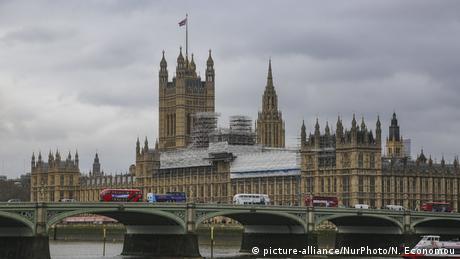 Brexit: Σήμερα η συνάντηση Μέι - Κόρμπιν