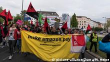 Berlin Anti Amazon Protest Springer Preis Bezos