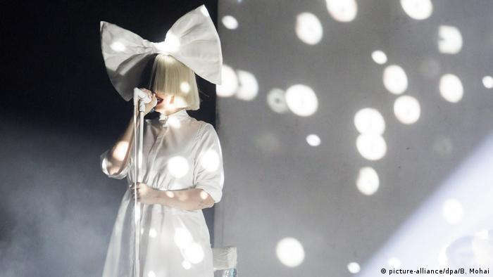 Sia performing live in Budapest | Sia