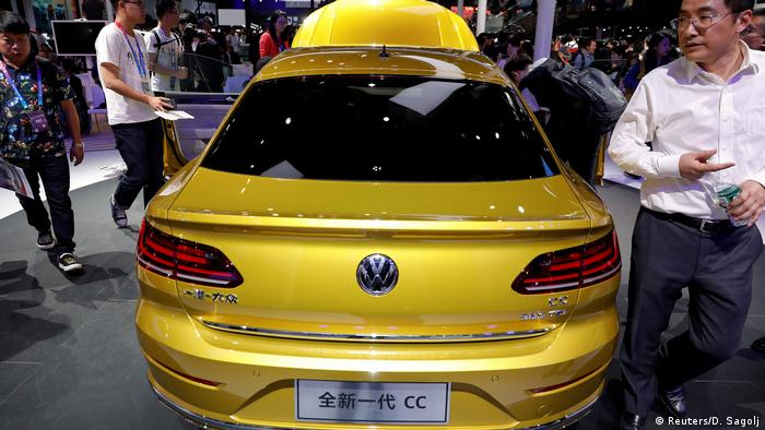 2018 Beijing International Automobile Exhibition | Volkswagen CC (Reuters/D. Sagolj)