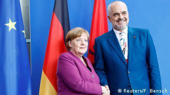 Deutschland Edi Rama, Premierminister Albanien & Angela Merkel, Bundeskanzlerin (Reuters/F. Bensch)