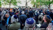 Deutschland Demonstration gegen Antisemitismus in Berlin | Berlin wears kippa