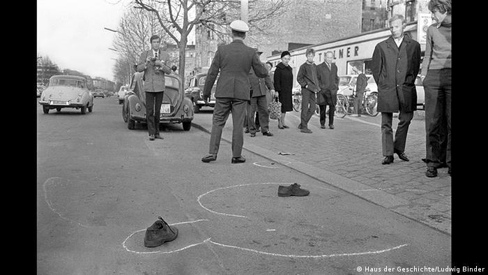 Crime scene of the assassination attempt on Rudi Dutschke by Ludwig Binder (Haus der Geschichte/Ludwig Binder)