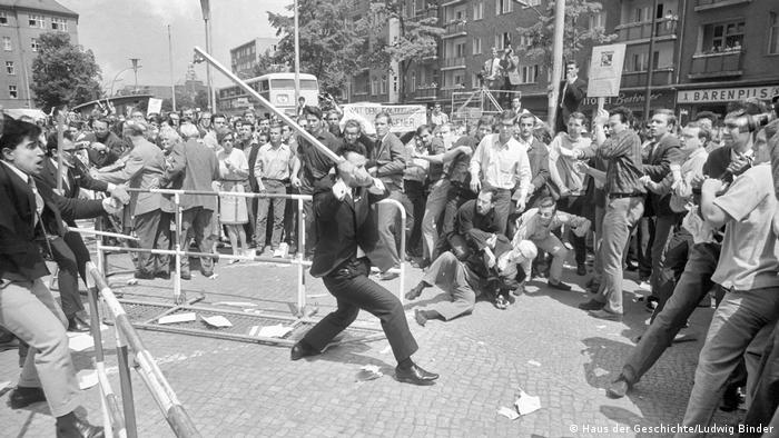Clashes during the Berlin visit of the Shah of Iran in 1967 (Haus der Geschichte/Ludwig Binder)
