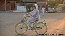 Cycling in Jeddah Saudi women embrace change Wandel für Frauen in Saudi Arabien