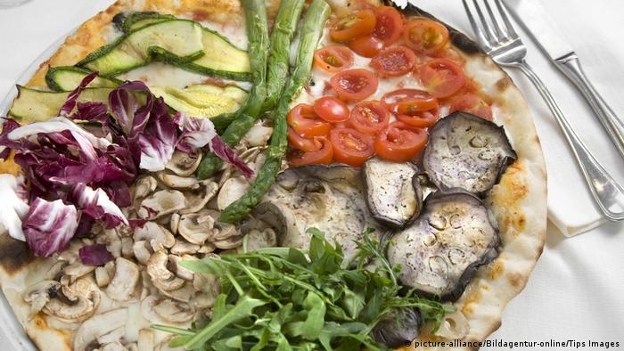 Спаржа на пицце