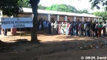 Titel: Posto de Recenseamento eleitoral /Electoral Registration Office in Mozambique Ort: Niassa, Mosambik Author: Manuel David (Korrespondent DW)