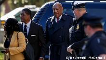 26.04.2018 *** Actor and comedian Bill Cosby arrives for deliberations at his sexual assault retrial at the Montgomery County Courthouse in Norristown, Pennsylvania, U.S., April 26, 2018. REUTERS/Brendan McDermid