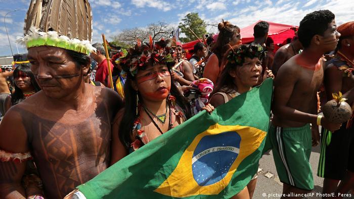 Em abril de 2018, protesto de indígenas em Brasília pediu respeito à demarcação de terras