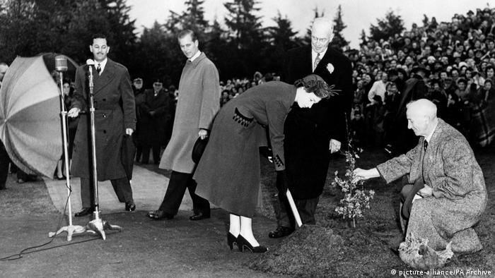 Princess Elizabeth planting a tree in Vancouver