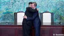 Korea-Gipfel 2018 Umarmung Kim und Moon