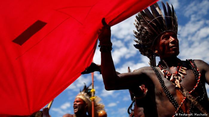 Brasilien Brasilia Proteste indigener Völker (Reuters/A. Machado)