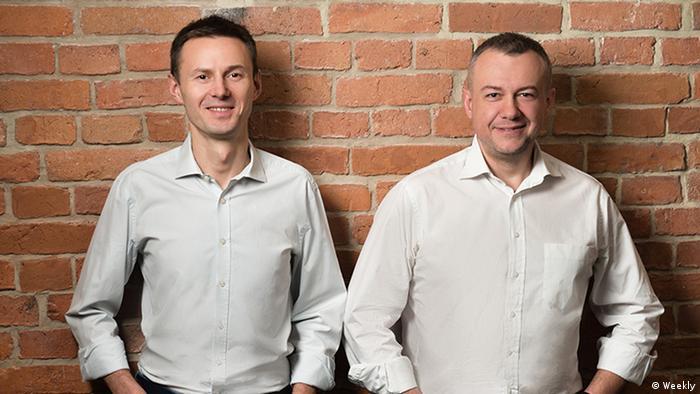 Darek Partyka i Irek Mirgos (p) stworzyli Weekly, czyli fiszki dla firm