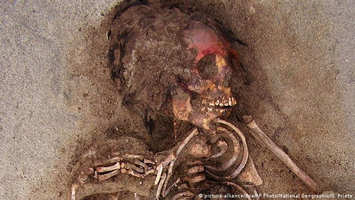 Peru 140 Kinderleichen in Peru: Archäologen entdecken weltweit größte Massen-Opferung (picture-alliance/dpa/AP Photo/National Geographic/G. Prieto)
