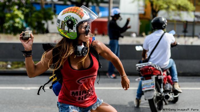 Ausschreitungen am 1. Mai in Venezuela (AFP/Getty Images/F. Parra)